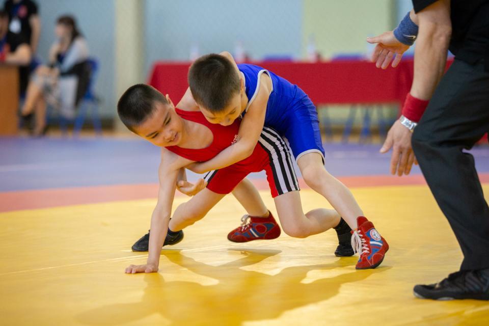 В поселке Кетченеры к лету завершится реконструкция здания детской-юношеской спортшколы