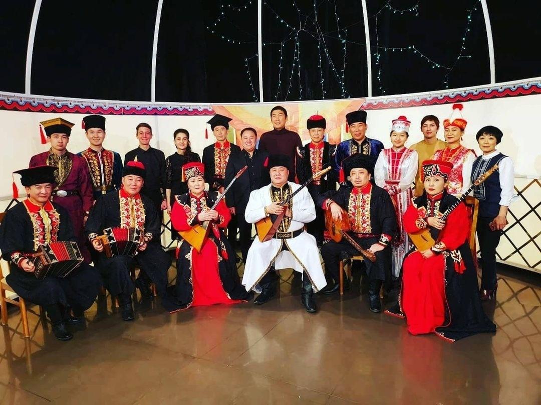"""Новогодний  подарок от ГТРК """"Калмыкия"""" и Национального оркестра"""