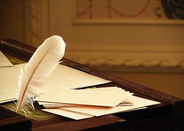 Сегодня  Всемирный день писателя