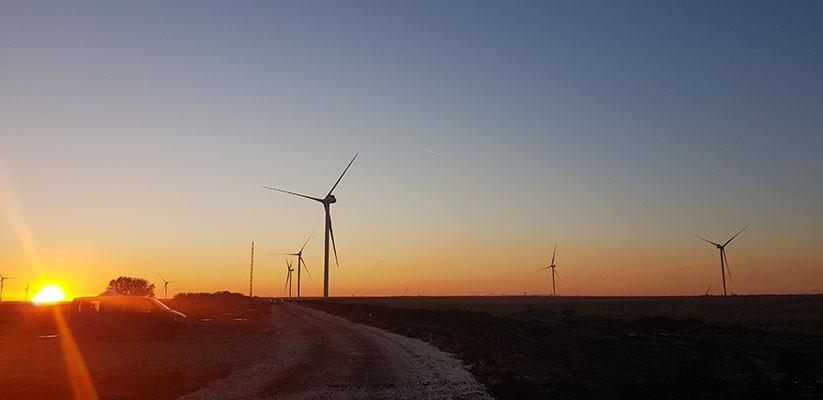 В Калмыкии до конца года заработают две ветростанции - Салынская и Целинская