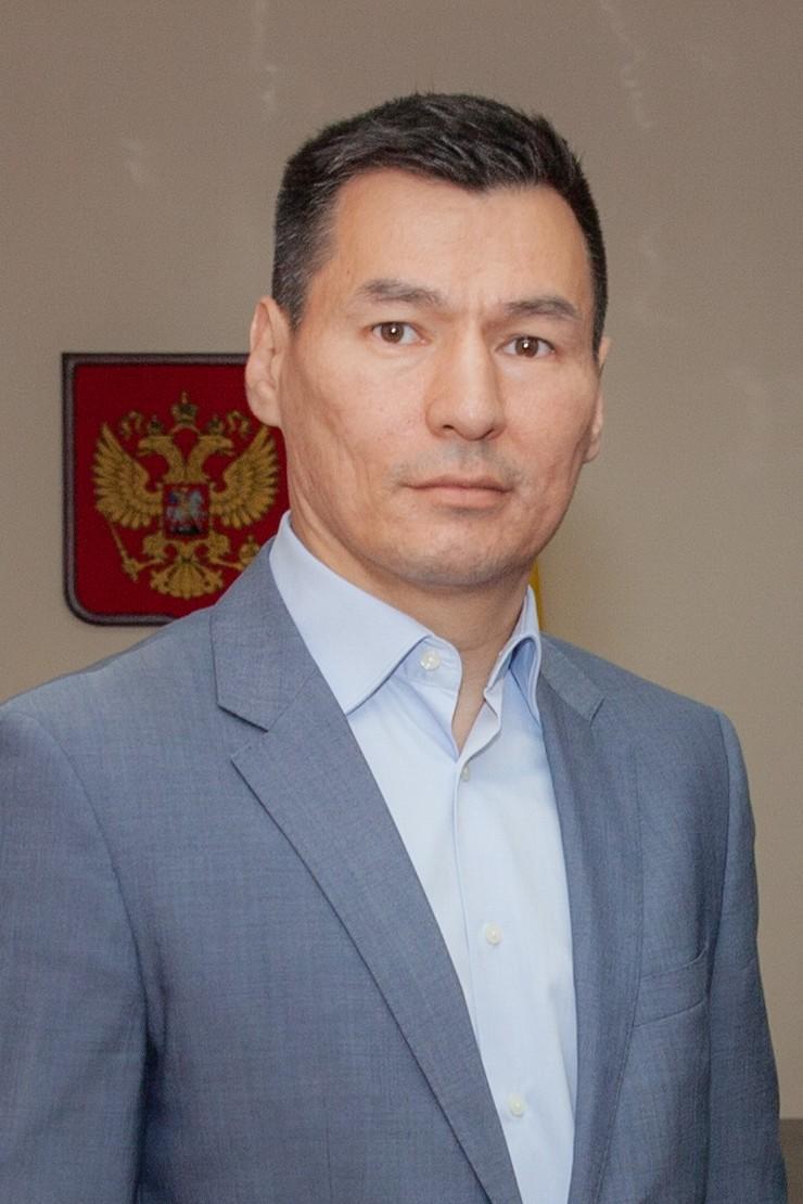 Бату Хасиков поздравил жителей Калмыкии с Днём военно-воздушных сил Российской Федерации