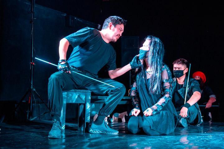 Сегодня Хакасский театр  «Читиген» покажет калмыцкому зрителю спекталь-хоррор