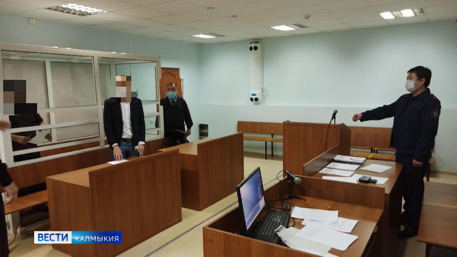 Организаторов подпольного казино поместили под домашний арест