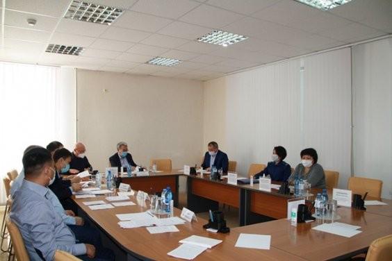 Накануне сессии Народного Хурала депутаты встретились на профильных комитетах