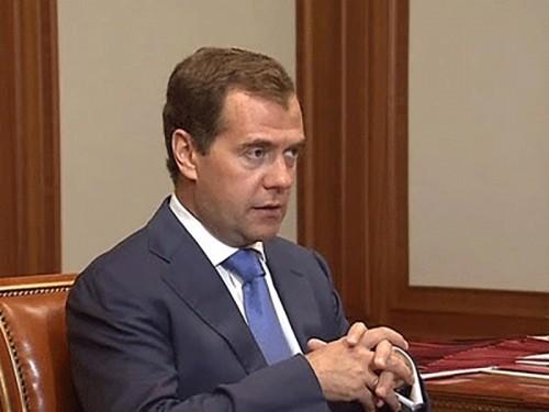 Дмитрий Медведев осмотрел строящиеся к Олимпиаде-2014 объекты