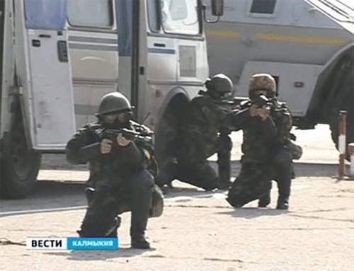 "В Элистинском аэропорту ""обезвредили"" террористов"
