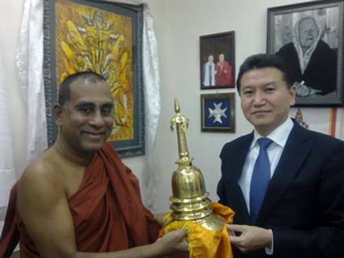 Кирсан Илюмжинов станет хранителем мощей Будды Шакьямуни