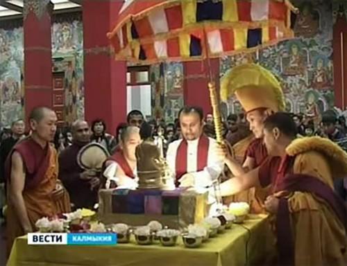 Мощи Будды отправлены в районы Калмыкии