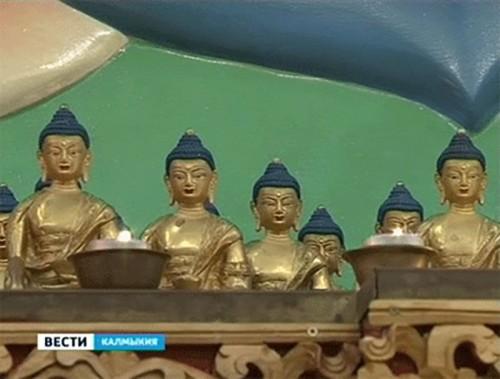 В Центральном хуруле Калмыкии проводят специальные предновогодние обряды