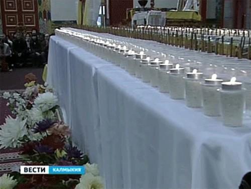 В Центральном хуруле Калмыкии прошел большой праздничный молебен