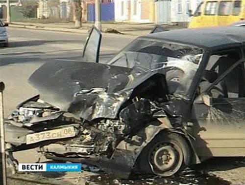 Три человека пострадали в результате ДТП в Элисте
