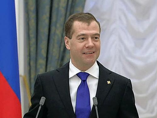 Медведев убежден, что 2012 год будет для России таким же хорошим, как уходящий