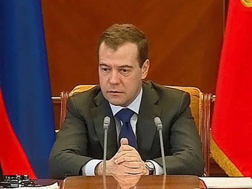 Дмитрий Медведев: экономическая политика не будет подчиняться политическим графикам