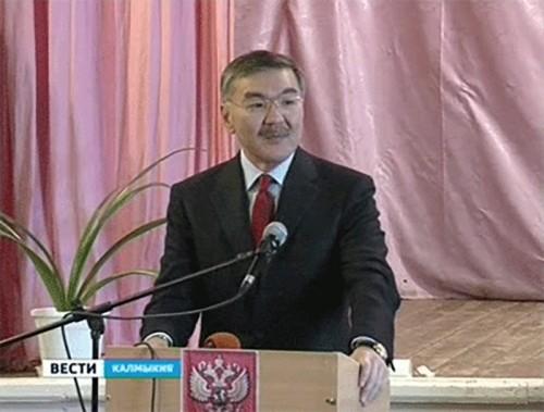 Алексей Орлов находится с рабочей поездкой в Яшалтинском районе