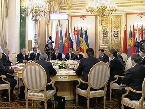 Дмитрий Медведев предлагает провести реорганизацию ЕврАзЭС