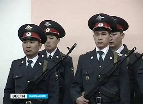 Глава Калмыкии поздравил военнослужащих с профессиональным праздником
