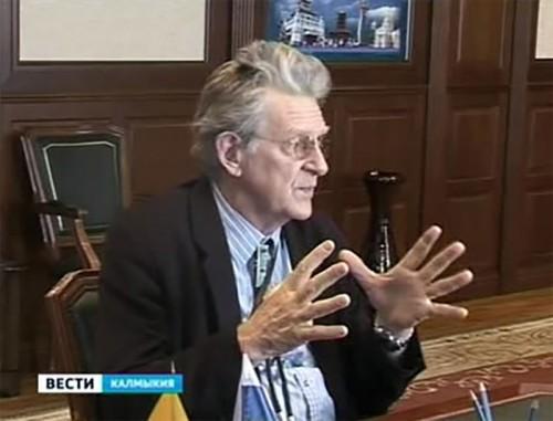 Глава Калмыкии встретился с буддологом из США Робертом Турманом