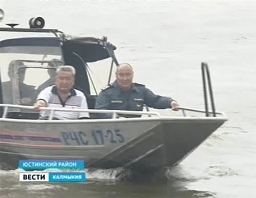 ГИМС проверяет готовность Юстинского района к курортному сезону