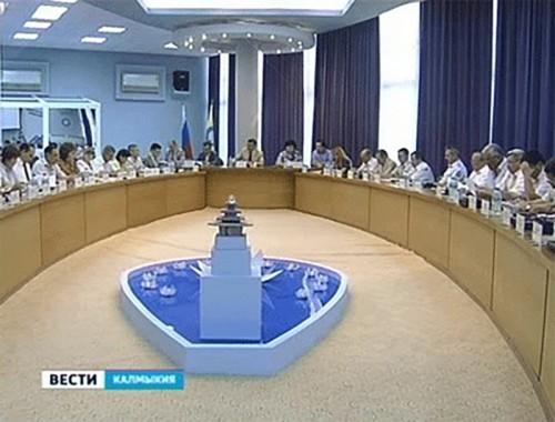 Проблемы и перспективы развития нефтегазового сектора экономики Калмыкии обсудили члены кабинета министров