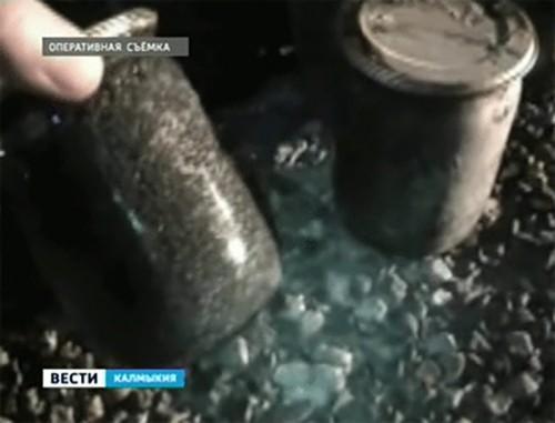 В Калмыкии задержали автомобиль с 8, 5 кг черной икры