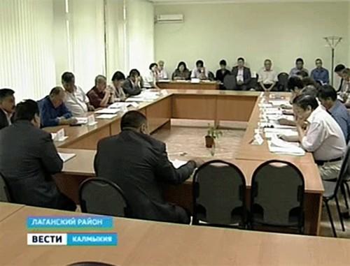 В Лагани прошла сессия районного собрания депутатов