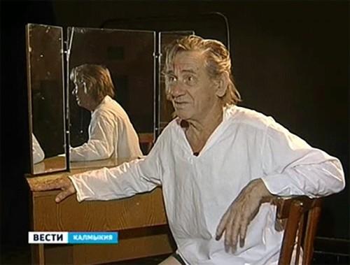Юбилейным бенефисом Александра Щеглова откроется новый сезон Русского театра