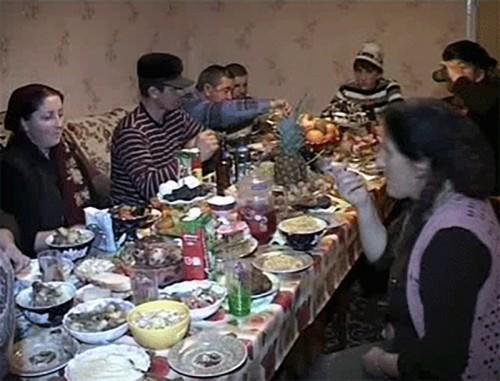Мусульмане отмечают один из главных исламских праздников — Курбан-Байрам
