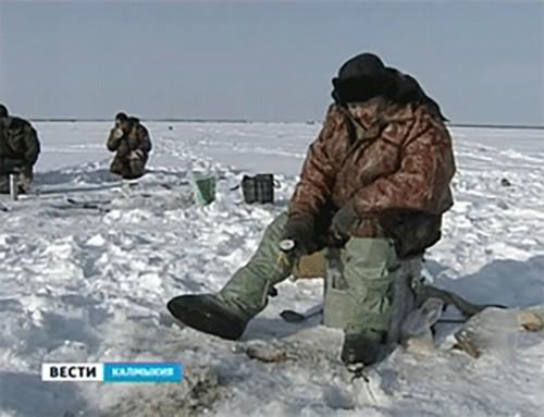 МЧС напоминает жителям Калмыкии основные правила поведения на льду