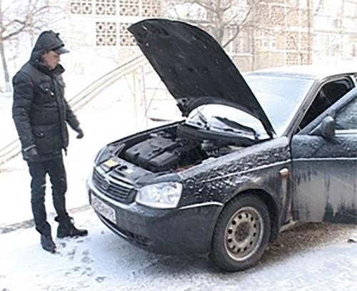 В Элисте приставы наложили арест на автомобиль должника