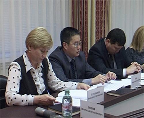В Элисте обсудили мероприятия по увеличению налоговых и неналоговых доходов