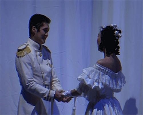 Нацтеатр Калмыкии проводит Фестиваль драматургии, посвященный 85-летию Алексея Балакаева
