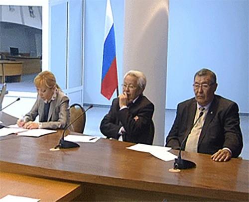 В Элисте прошло заседание трехсторонней комиссии по регулированию социально-трудовых отношений