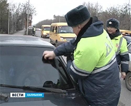 В Калмыкии возобновили борьбу с чрезмерной тонировкой