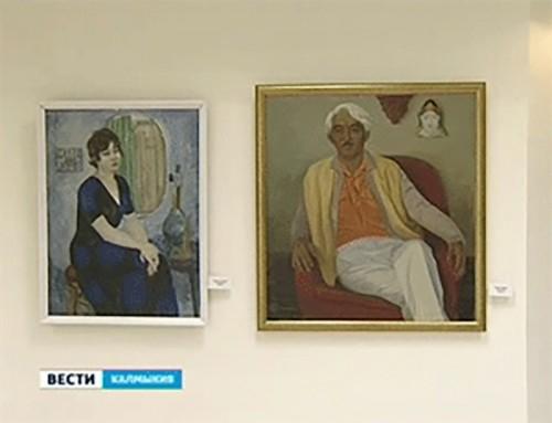 В Элисте открылась юбилейная выставка Кима Ольдаева