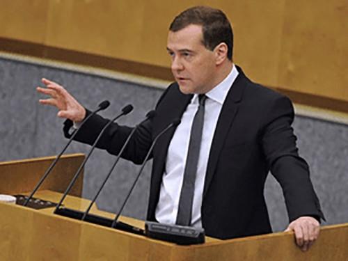 Премьер-министр отчитался перед Госдумой