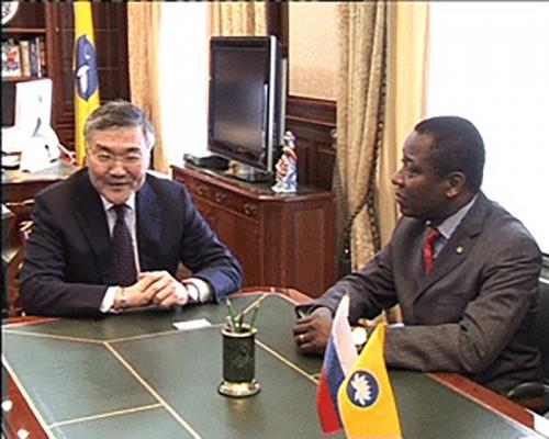 Алексей Орлов провел рабочую встречу с послом Бенина