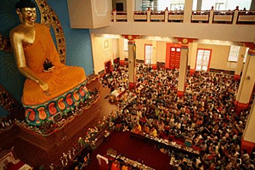 Калмыкия отмечает День рождения, Просветления и ухода в Паринирвану Будды Шакьямуни