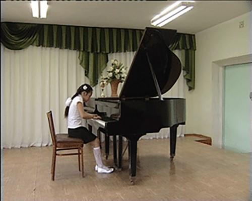 Пианистка из Калмыкии стала лауреатом конкурса юных талантов