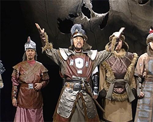 """Национальный драмтеатр на фестивале """"Театральное вече"""" представил спектакль на калмыцком языке"""