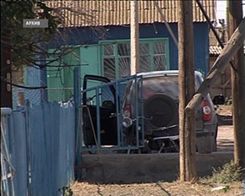 Житель Малодербетовского района угнал автомобиль у своего односельчанина