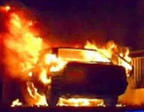 В Калмыкии за неделю сгорели 2 автомобиля