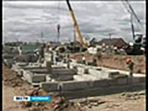В Элисте продолжается строительство первого дома для детей-сирот