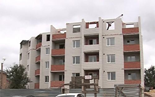 Строительство 108-квартирного дома по ул. Калачинская близится к завершению