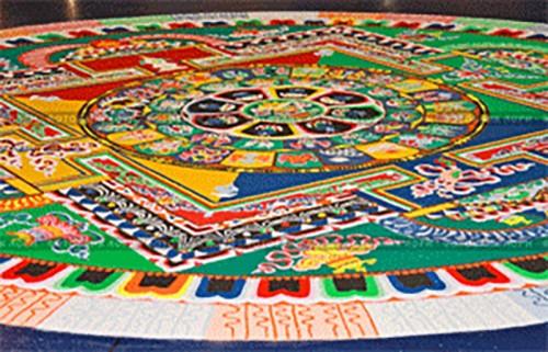 Монахи из Индии возведут песочную мандалу Ямантаки