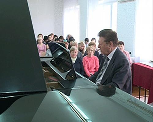 Педагоги школ искусств Калмыкии сели за парты