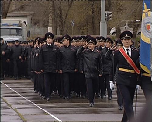 Калмыцкие полицейские провели праздничный парад