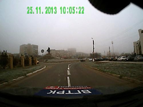 На дорогах Элисты нанесли кривую дорожную разметку