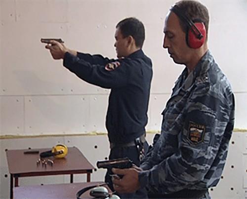 Женщина-полицейский оказалась самой меткой на турнире по спортивной стрельбе из боевого оружия