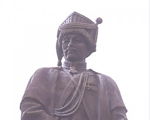 В Элисте открыли памятник герою Отечественной войны 1812 года Середжабу Тюменю