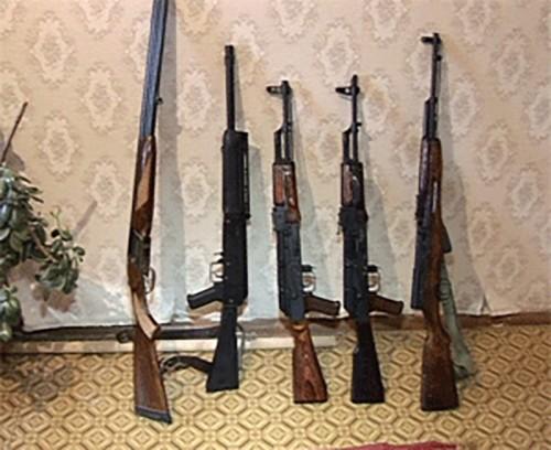 Калмыцкие полицейские проверяют условия хранения оружия